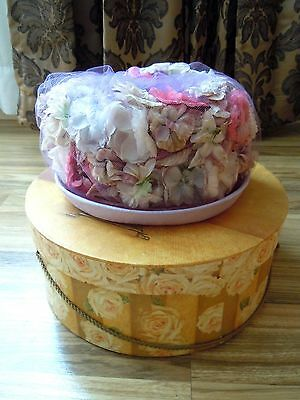Ladies Vintage Hat Box From 2001, Includes  ***FREE HAT*** INV#870