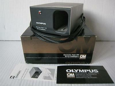 Olympus OM T45 T 45 Electronic Flash NiCd Ni-Cd Nicad Battery Pack Charger Boxed
