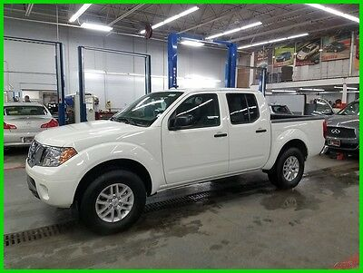 2017 Nissan Frontier SV 2017 NISSAN FRONTIER SV 4X4 6SP MANUAL V6 CREW CAB HTD SEATS TOW PACK