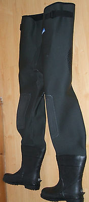 Neoprene Waist Waders Size 6/ 7 (New)