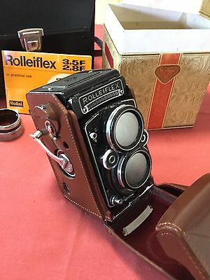 Rolleiflex 2.8f TLR camera with Planar lens and case
