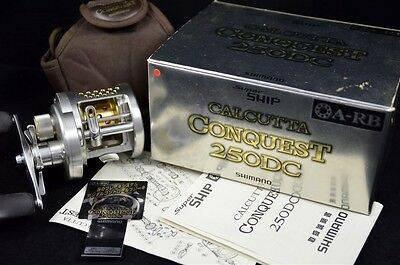 CALCUTTA CONQUEST 250DC Right Handed SHIMANO baitcasting Reel Made in JAPAN