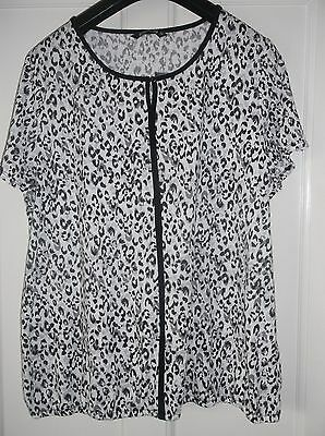 ladies lovely grey, black & white BONMARCHE top, NEW, size 24