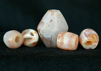 LOVELY PINK SET Agate Beads - 1 ANCIENT + 4 NEOLITHIC
