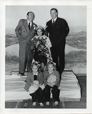 """g235. Original 1947 CBS-TV Photo """"Queen for a Day"""" Emcee Jack Bailey (Mutual)"""