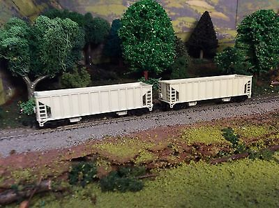 N Scale Undecorated Hopper Freight Car Lot