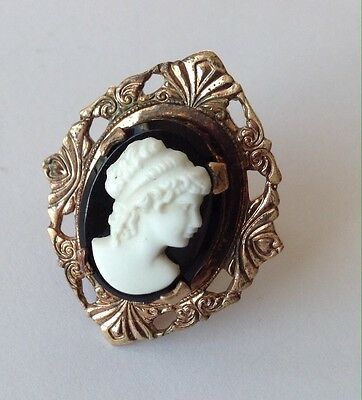 Vintage Art Deco Black And White Cameo Ring