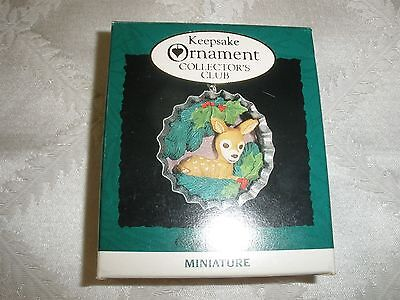 "Miniature Hallmark Keepsake Ornament, ""cozy Christmas""~1994~T9419"