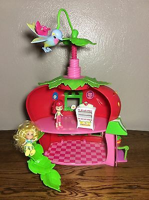 Strawberry Shortcake Bitty Berry Cafe Lot- Playset w/Doll & Oven