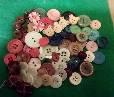Vintage   buttons   collection 70 +