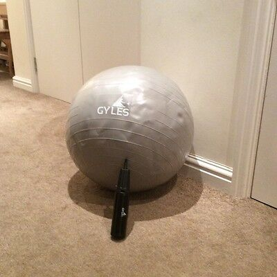 Brand new Gyles birthing / exercise ball with pump