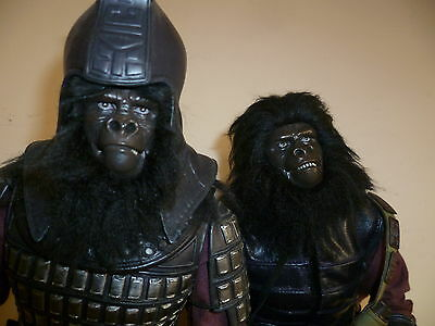 Hot Toys Planet of the Apes General Ursus + Gorilla Soldier 1/6 Scale Figure
