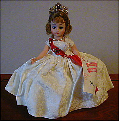 "Beautiful ""Queen"" Cissette Doll, 1972 #1186 - NM With Box!"