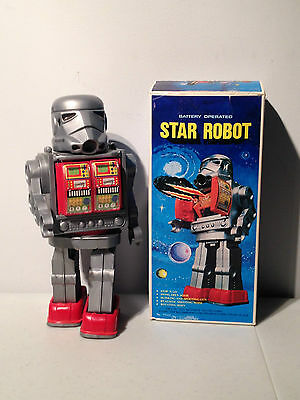 Star Robot Stormtrooper Storm Trooper Walking Battery Operated Toy Wars KO 1970s