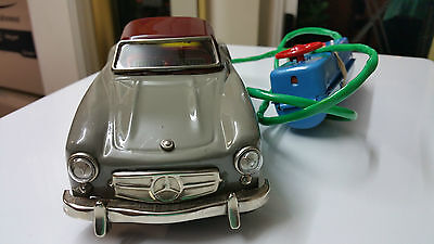 Vintage Japan Tinplate Battery Operated Toy Car With Working Head & Tail Lights
