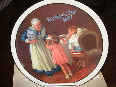"Norman Rockwell LE ""1987 Mother's Day - Grandma's Surprise"" - Collector Plate"