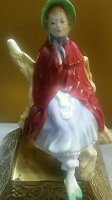 Royal doulton figurines SALLY HN 2741 IN MAJESTIC CONDITION !