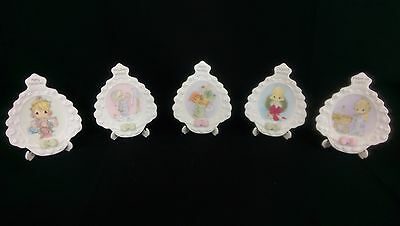 RARE: Precious Moments Lot of 5 Different Mini Christmas Tree Plates With Stands
