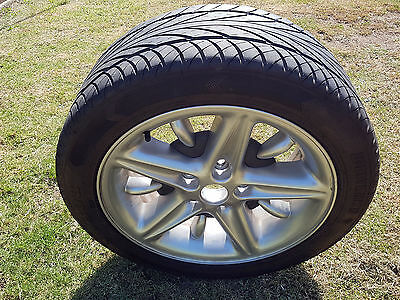 Commodore VT SS rim with 17 Inch Tyres 235 x 45