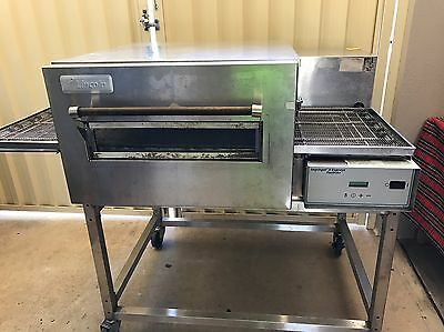 Lincoln Impinger II Express Fastbake 18 Inch Gas Conveyor Pizza Oven