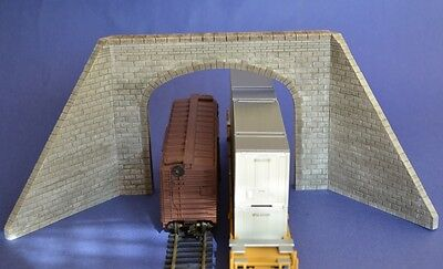 HO Cut Stone Double Tunnel With Wing Walls Produits MP / Entrée de Tunnel #H005