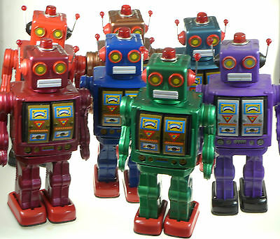 FAULTY BLACK OR MAROON LARGE  ROBOT D CELL ETRO  TIN TOY  Tinplate NOT WORKING