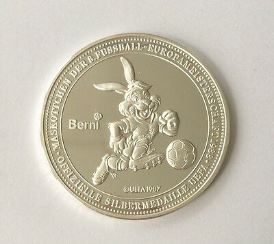 Medaille UEFA 1987 Mascot Of The 8 Football European championship 1988 .575Y