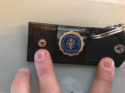 NYPD Lieutenant Universal  Snap Leather Key Ring  And Mini Badge