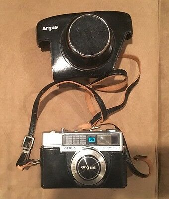 VINTAGE ARGUS AUTOMATIC CINTAGON 45mm CAMERA F:2.8 with LEATHER CASE *USED*