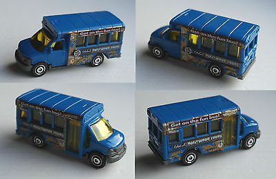 "Matchbox - GMC School Bus blau ""Hollywood Tours"""