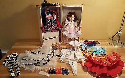 RARE Vintage Alexander 1964 doll w/ Case and 6 Outfits Nearly Mint Condition