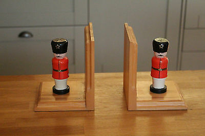 Childs Wooden Soldier Bookends Supports Busby Guards Felt Base Good Condition