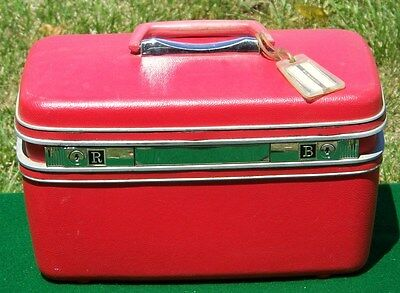 VINTAGE CHERRY RED SAMSONITE SILHOUETTE CARRY ON LUGGAGE TRAIN CASE Crafting?