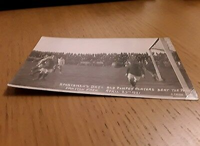 Old Pompey Players beat the Press 1921 superb unused football postcard