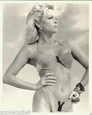 "Lisa Hartman Black 8"" X 10"" Black & White Photo-#153"