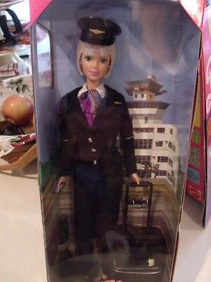 1999 Pilot Barbie She Is Outstanding Mint Nrfb Highly Detailed Uniform Passport