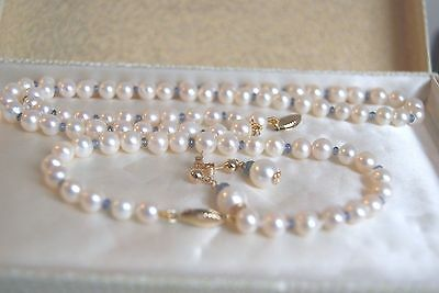 Unused 9 Carat Y Gold Cultured  Pearl& Sapphire Necklace Bracelet& Earring Set