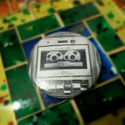 Boombox radio cassette tape old school 25mm Hip Hop Pin Button Badge 80s 90s r