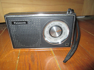 Vintage 1960's PANASONIC JAPAN Model R-1241 AM Transistor Radio - Works Great!