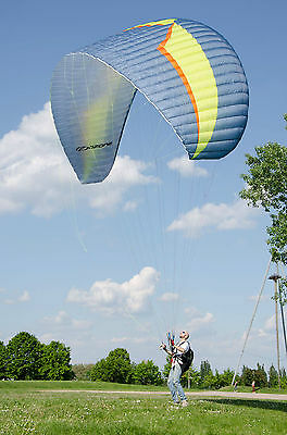 OZONE BUZZ Z5 - 2016 - MINT CONDITION only 3 FLIGHTs ** CUSTOM COLORS **