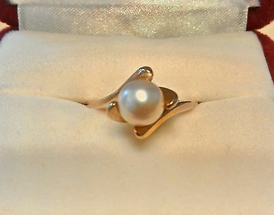 VINTAGE 10K YELLOW GOLD PEARL RING SIZE 6.5 SIZE OF PEARL: 6.8mm