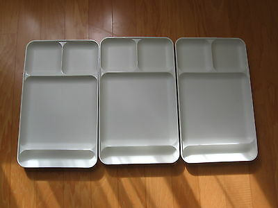 Tupperware Divided Food Tray TV Dinner Lunch Tray Cafeteria Style Set of 3 Almon