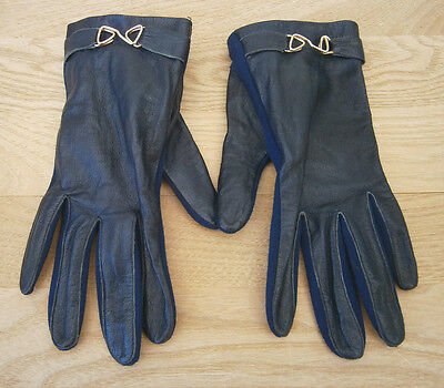 VINTAGE 1960s MIDNIGHT BLUE LEATHER BACKED WRIST LENGTH GLOVES BUCKLE DETAIL