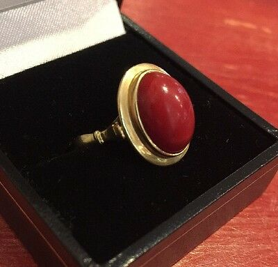 18ct Gold Ring 750 Gold Red Coral Ring Free Postage Boxed Size p USA 8