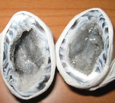 BEAUTIFUL PAIR OF AGATE Crystal *LOVE CAVES* 4x2.5cms Geodes / A1++ GRADE