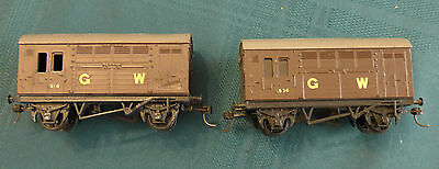 Pair of Triang GWR Horse Boxes, OO, Kadees, good cond.
