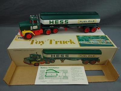 Vintage 1977 HESS Fuel Oils Tanker Tractor Trailer Truck Complete in Box - B