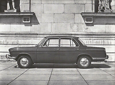 B.m.w. 1500 Four Door Saloon Left Hand Side View, Period Photograph.