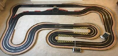 Scalextric Digital Layout with 6 Car Power Base / Pit Lane & Game & 6 Cars