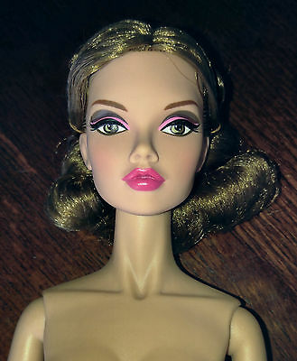 """Integrity Toys 16"""" Nude Poppy Parker """"fashionably Suited"""" Brown Hair - Pretty"""